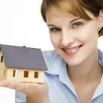 woman_presenting_a_home