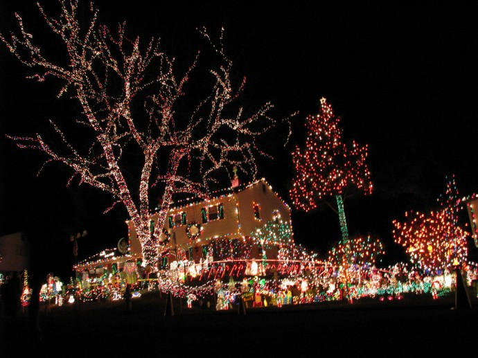 Too many holiday decorations can detract from what homebuyers want to see: your home.
